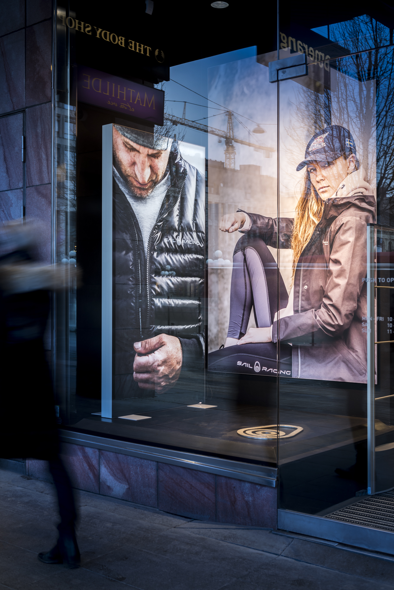 FineLine™ LED Fabric Retail Displays